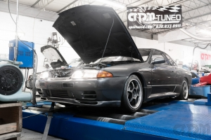 Nissan Skyline R32 on Mustang AWD 4WD Dyno Dynamometer